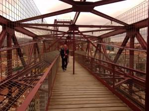 Atravesando los entresijos del puente